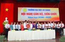 An Giang University Rector Board and Staff Union signed the Commitment of Achievement in 2018 – 2019 academic year