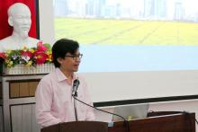 Dr. Nguyen Van Hoa - Vice Dean of Information Technology at An Giang University presenting Blockchain application in agricultural origin in An Giang province